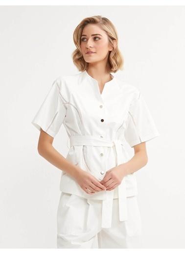 BGN Sus Dıkıslı Baglama Kemerlı Pamuklu Ceket Beyaz